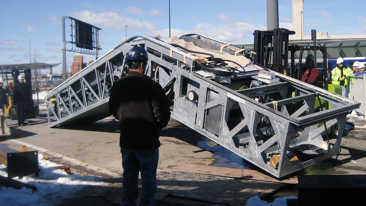 Newark-airport-escalator-installation-03